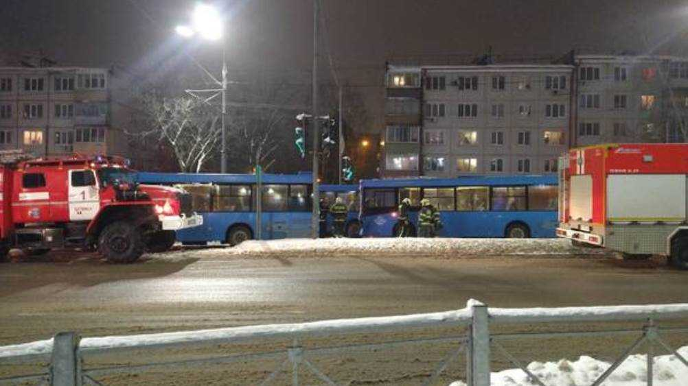 В Брянске на улице Авиационной столкнулись два автобуса