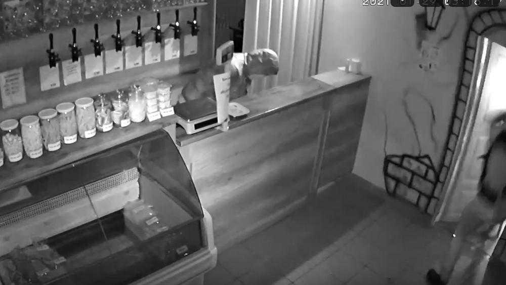 Стали известны обстоятельства ограбления пивного магазина в Брянске
