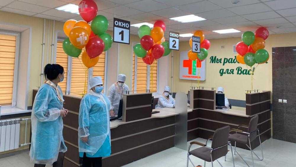 Брянский губернатор посетил отремонтированный корпус поликлиники №1