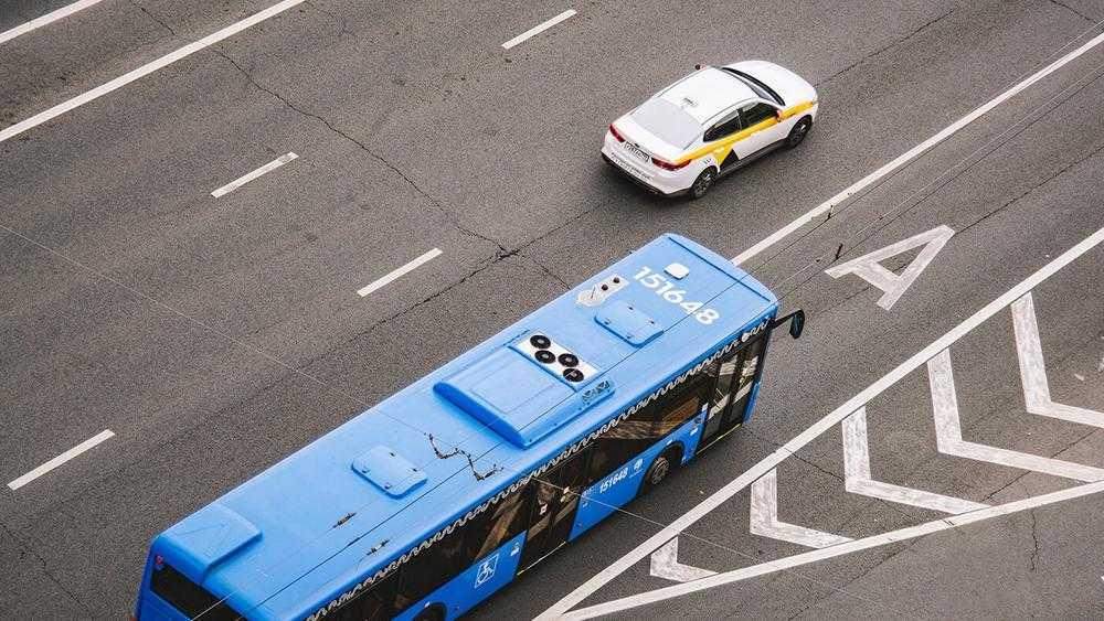 Брянцев рассмешили прожектом выделенных полос для общественного транспорта