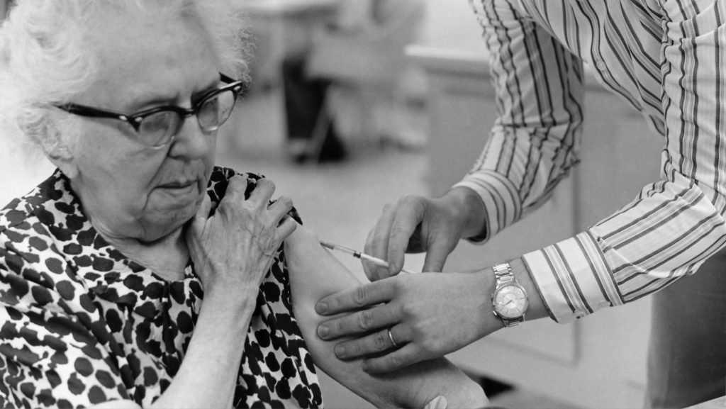 В Болгарии непродуманная вакцинация стоила жизни 10 тысячам человек