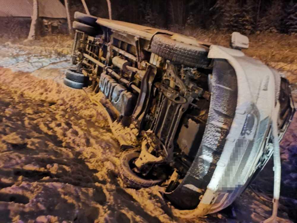 Появились снимки с места аварии в Выгоничском районе