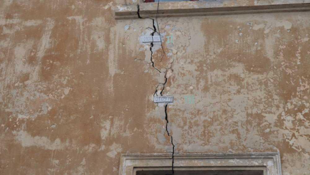 Брянские активисты призвали расселить аварийный дом на улице Калинина