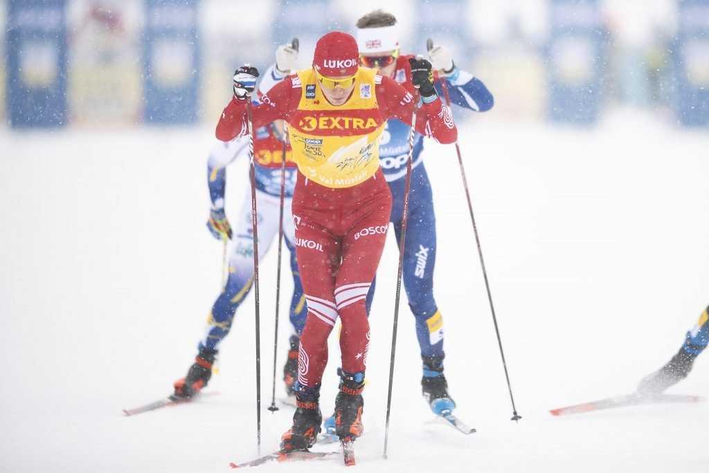 Брянский лыжник Большунов стал вторым в спринте на «Тур де Ски»