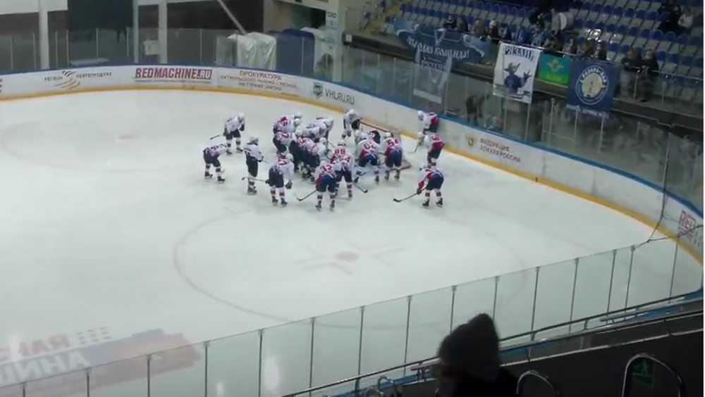 Брянские хоккеисты проиграли в Рязани
