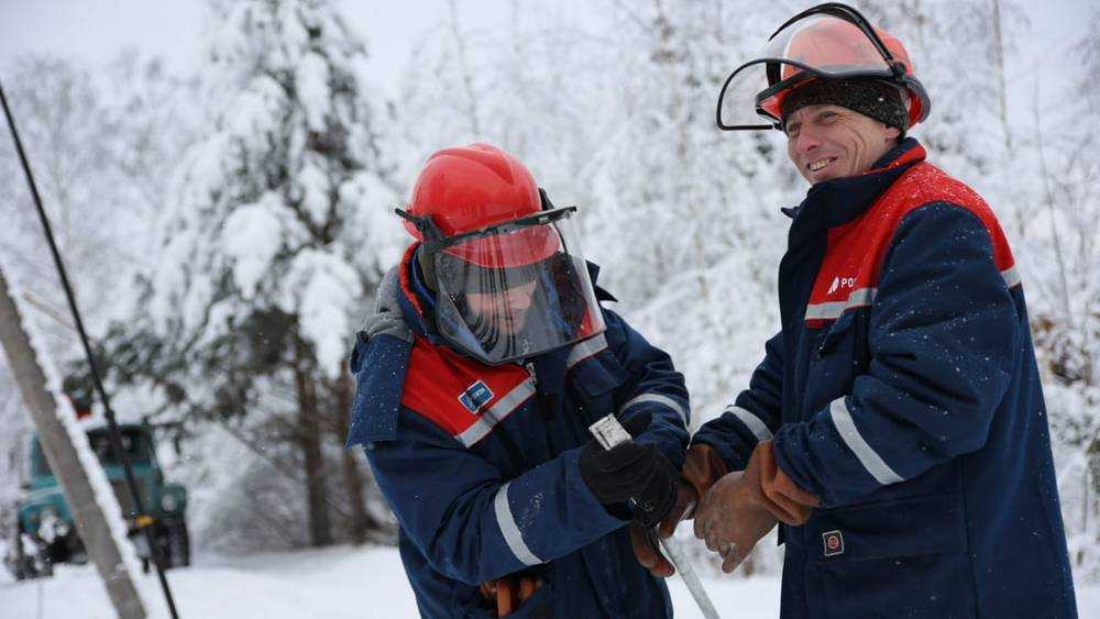 Сотрудники Брянскэнерго помогли тверским коллегам восстановить нарушенное электроснабжение потребителей Калининского района