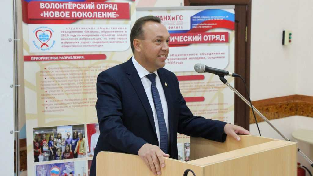 Директор Брянского филиала РАНХиГС привился от коронавируса