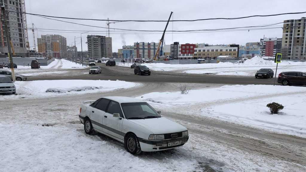 Брянские водители попросили избавить их от опасности на перекрестке