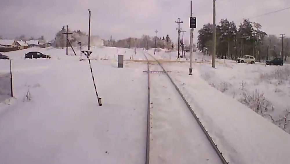 В Клинцах на переезде поезд сбил пожилую женщину
