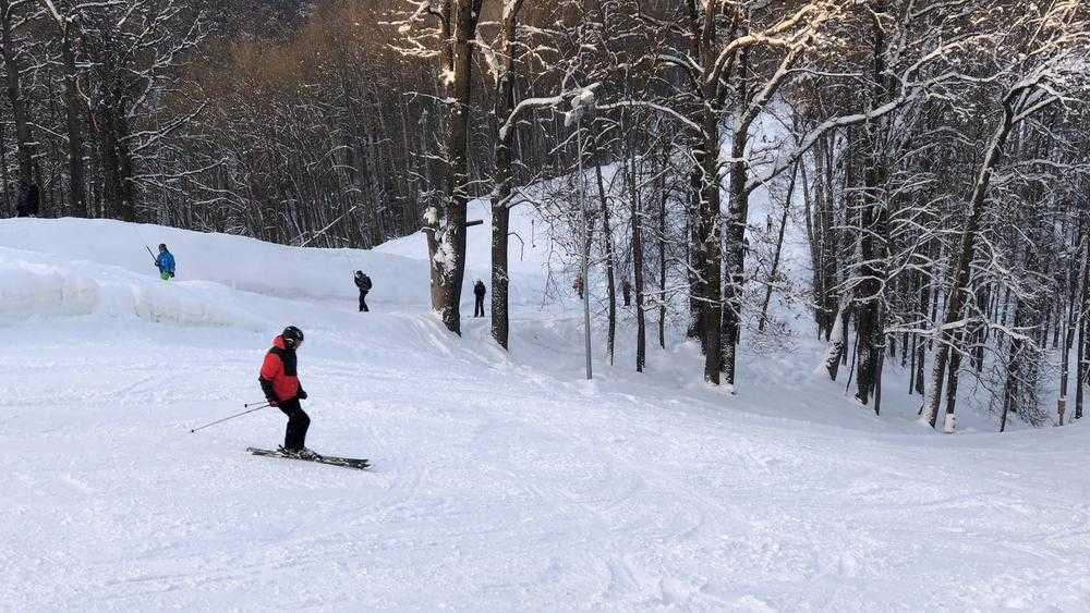 В Брянске лыжники и сноубордисты отрыли сезон полетов в «Соловьях»
