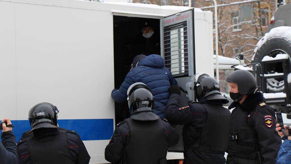 Брянские сторонники Навального смогут светить фонариками лишь во дворах
