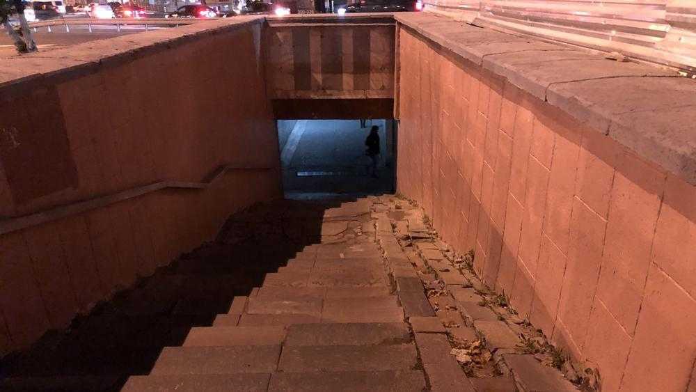 В Брянске после снегопада стал опасным подземный переход у «Полтинника»