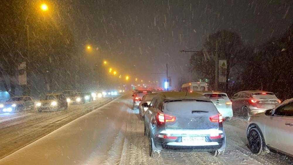5 километров за 45 минут: Брянск задушила московская пробка