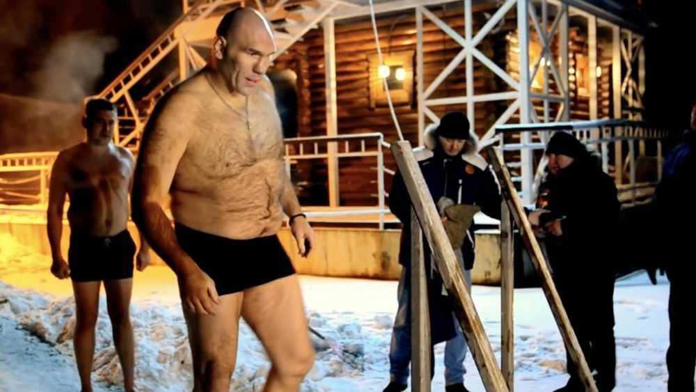 Брянский депутат Валуев дал советы окунающимся в прорубь