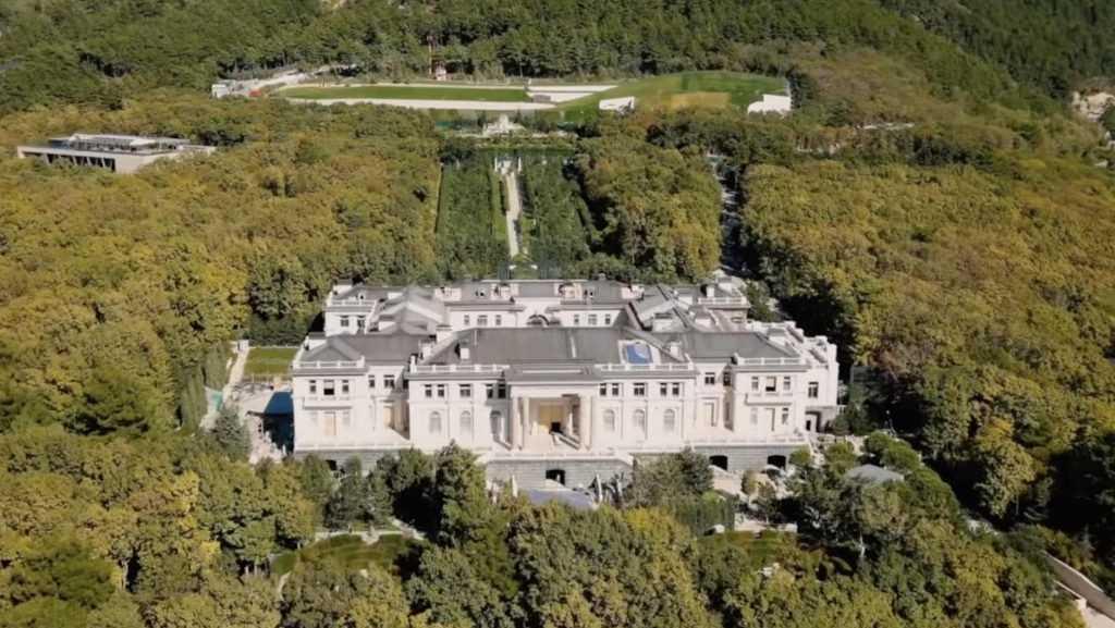 В Кремле заявили, что геленджикским «дворцом» владеет предприниматель