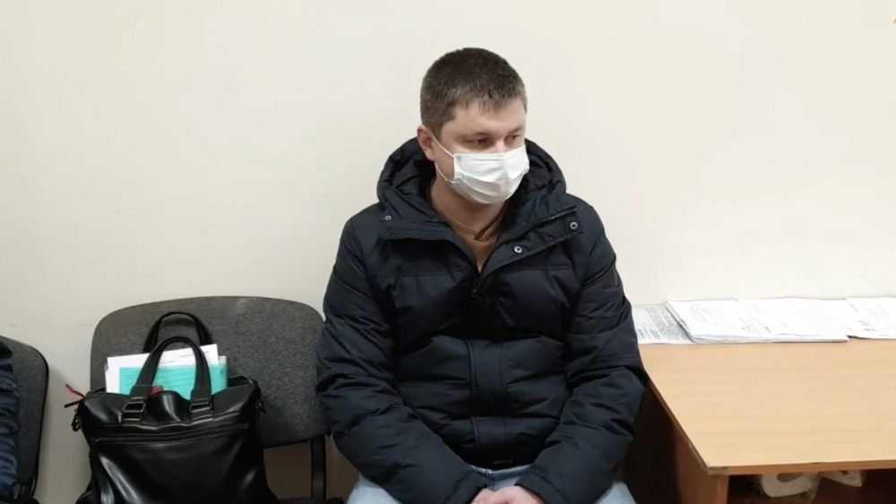 Начальника отдела брянского управления дорог задержали за взятки песком