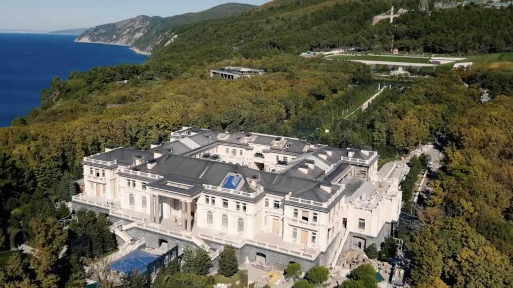 Путин опроверг принадлежность дворца в Геленджике ему и его родным