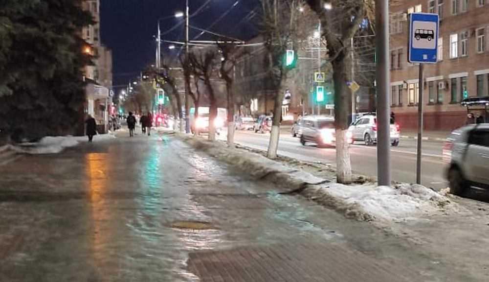 В Брянске на улице Фокина начали работать новые светофоры