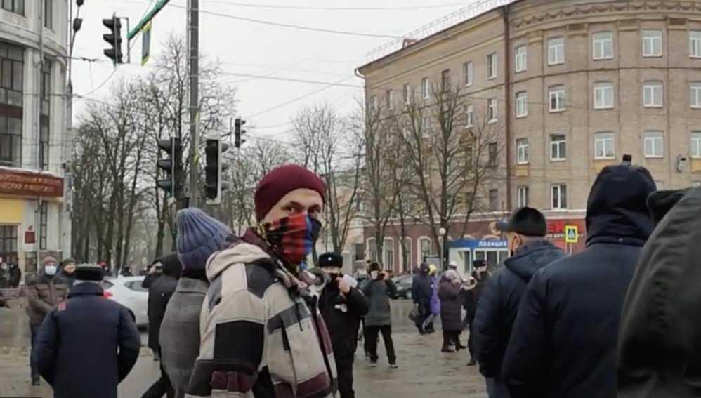 В Брянске сторонники Навального направились в сторону Кургана