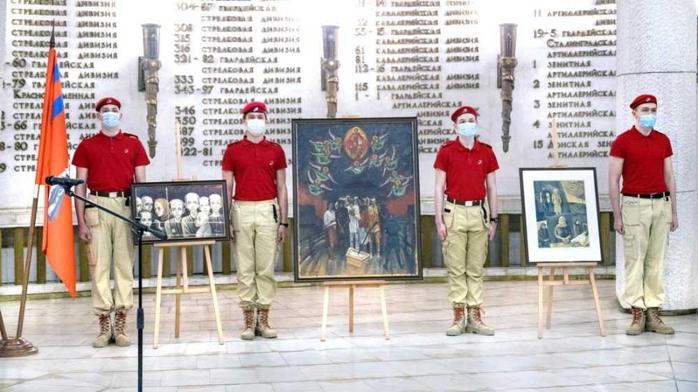 Экспозиция в Волгограде пополнилась картинами брянских художников