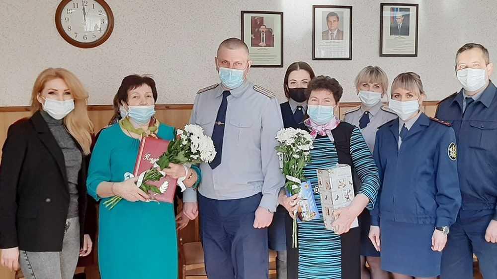 Женсовет ИК-1 поздравил ветеранов УИС с днем рождения