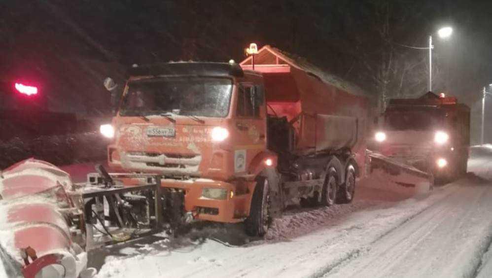Рекордное число машин вывели на уборку снега в Брянской области