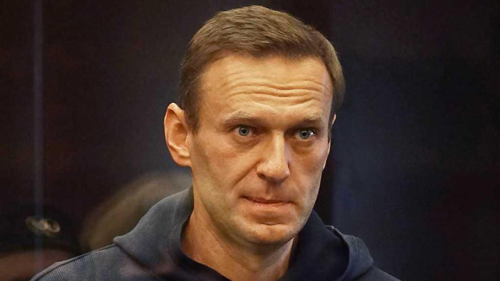 Опрос россиян показал уровень авторитета Навального