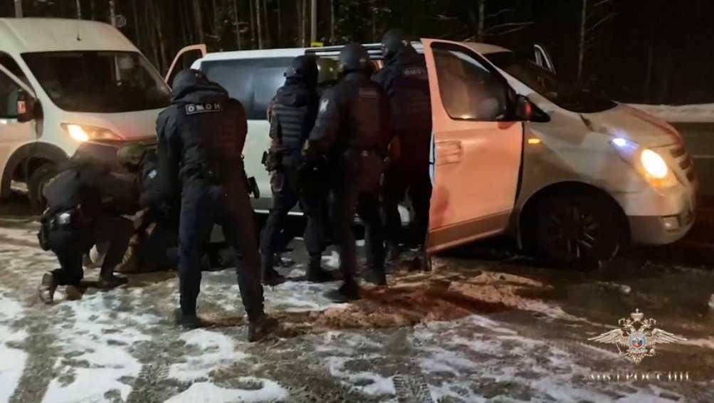 Из Брянской области  суд выдворил четверых нелегальных мигрантов
