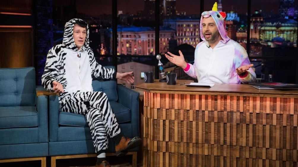 Брянский актёр Антон Шагин в пижаме стал гостем «Вечернего Урганта»