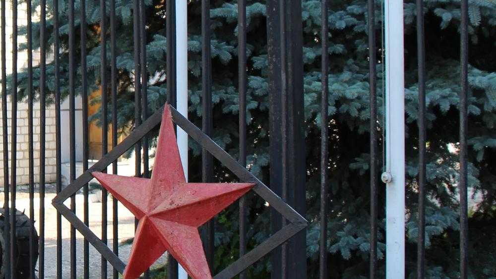 В Карачеве Брянской области похоронили отравившегося угарным газом офицера