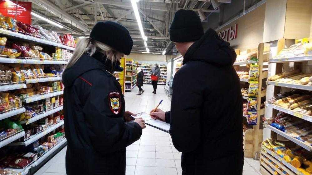 В Брянской области за выходные составили 33 протокола на безмасочников