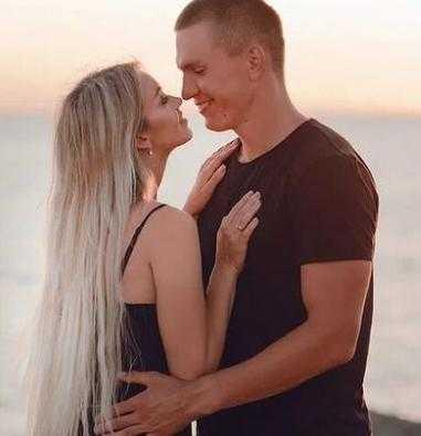 Брянский лыжник Александр Большунов женился