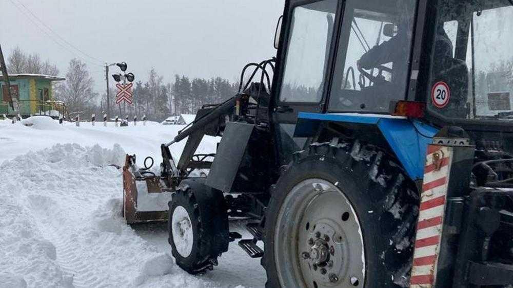 Унечский район брошен на борьбу со снежными завалами