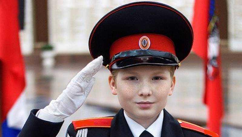 Брянское отделение Сбербанка поздравило Брянскую кадетскую школу