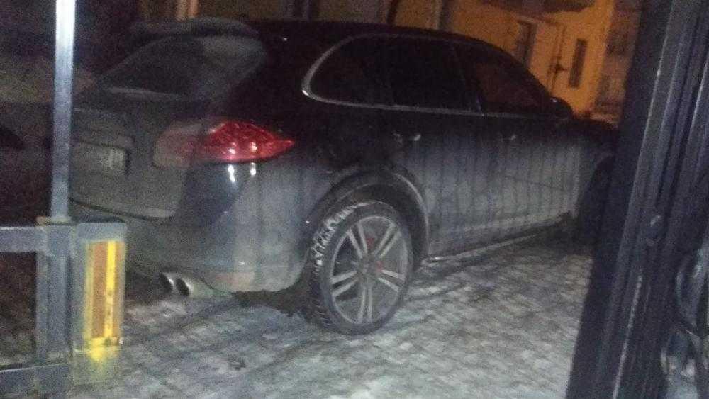 В Брянске отомстили опрометчивому бедолаге на Porsche Cayenne