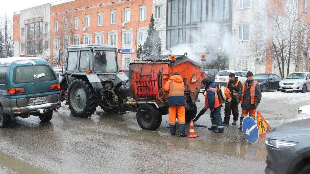 Брянские чиновники объяснили разрушение дорог плохой погодой
