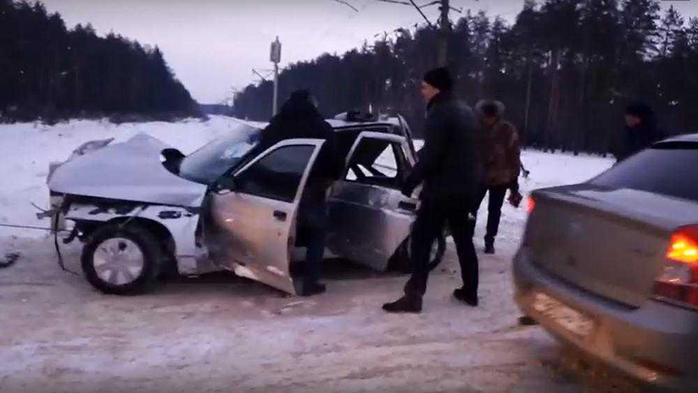 Появилось видео с места гибели троих человек на брянском переезде