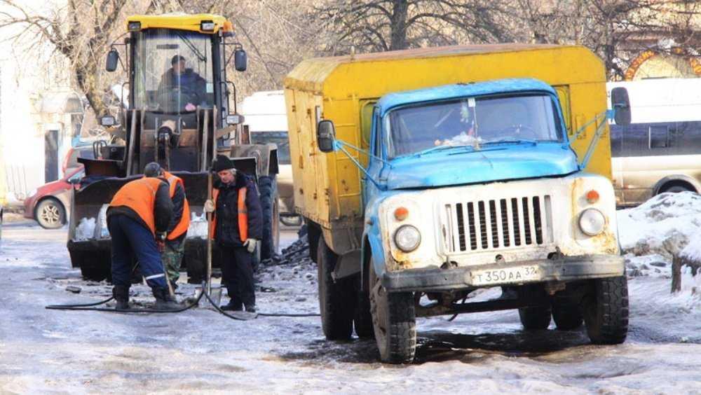 Власти Брянска приказали латать недавно отремонтированные дороги