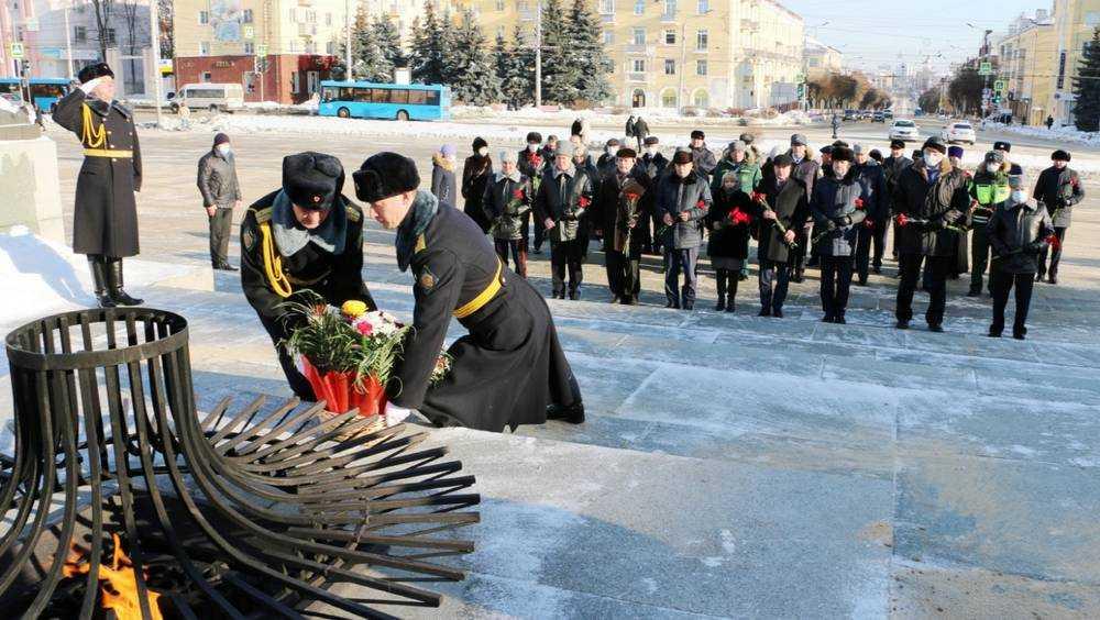 Жители Брянщины почтили память павших защитников Отечества