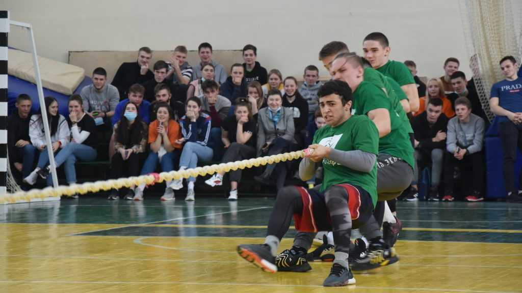 Брянские студенты стали участниками спортивной эстафеты