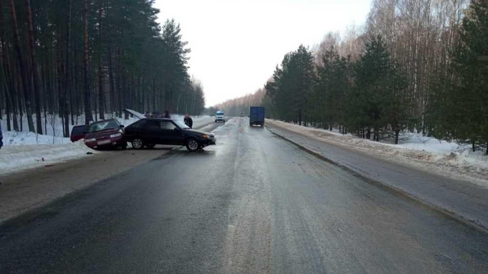 Под Трубчевском столкнулись два ВАЗа – пострадал 23-летний парень