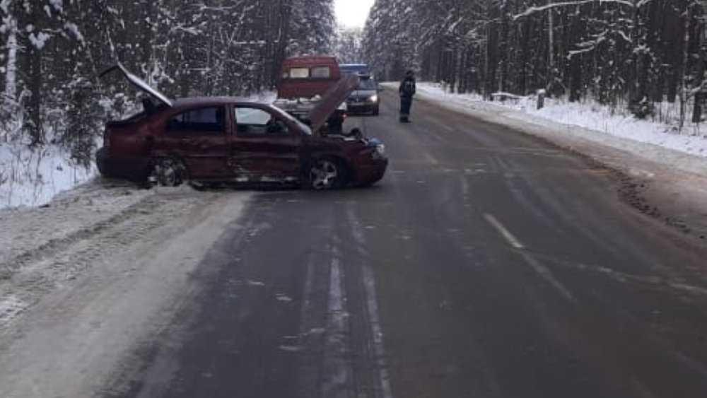Под Клинцами Брянской области в ДТП пострадали три человека
