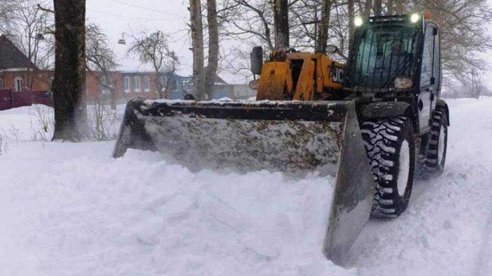 Роман Мимонов выделил технику для борьбы с последствиями снегопада