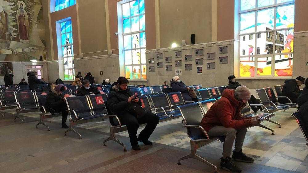 Железнодорожный вокзал Брянск-I опустел