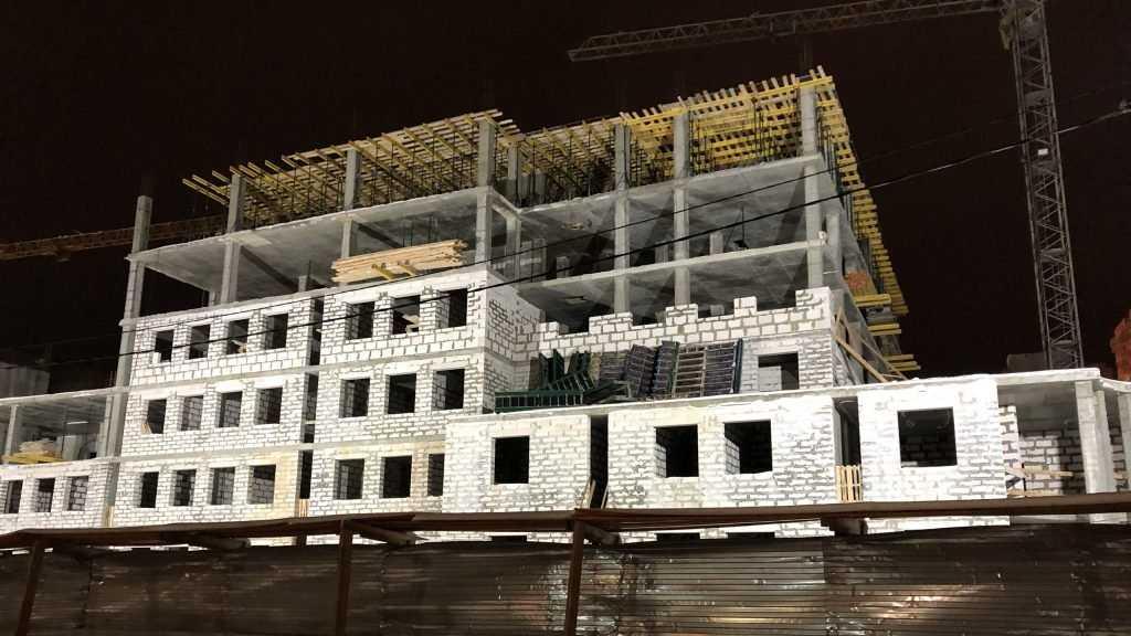 Новое здание УМВД в Брянске подросло 6 этажом