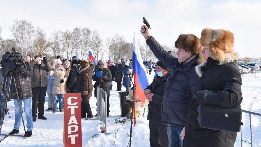 Брянский губернатор Богомаз дал старт «доброй» лыжной гонке в Стародубе