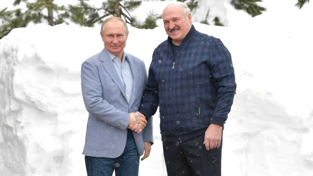 Брянцы смогут покупать белорусский хамон и пармезан