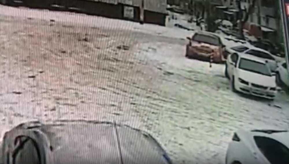 В Брянске автомобилистка рассказала о ДТП на парковке возле ТЦ «Родина»