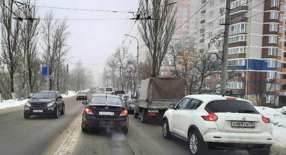 Брянские утренние пробки разозлили водителей