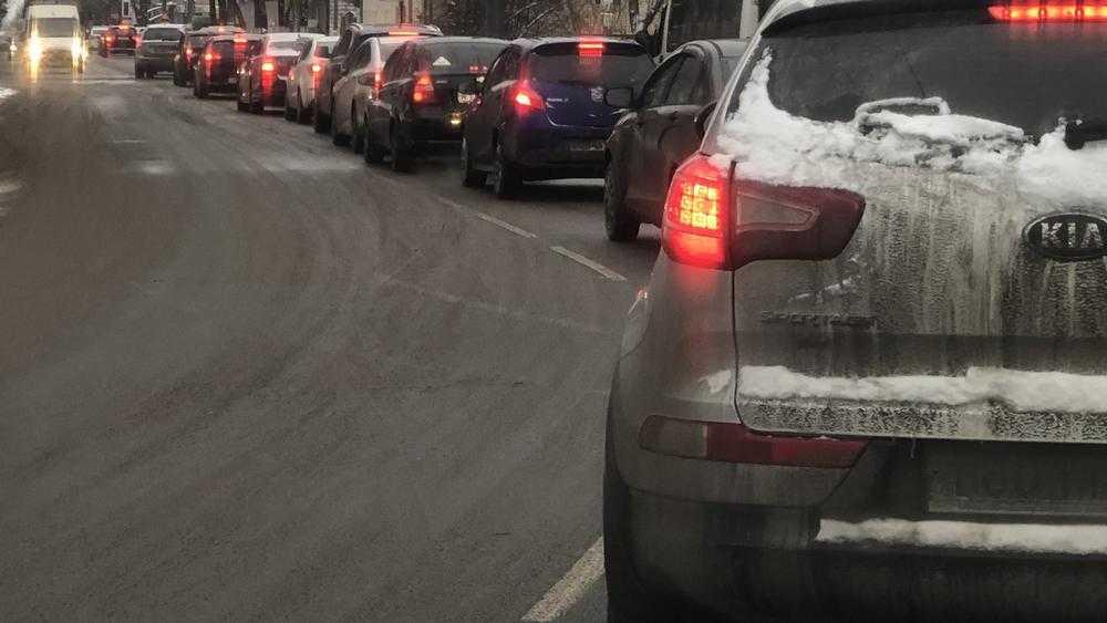 Жители Брянска дали фантастическое объяснение утренним пробкам
